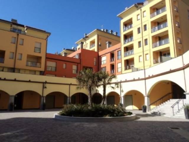 17525548-4-attico-mansarda-in-vendita-a-genova-sestri-ponente-borgo-alla-marina